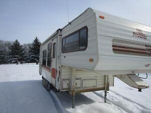 1987 Prowler 245K Fifth Wheel camper