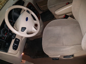 2004 Ford Windstar - Low KMs - Moving sale - 3000obo