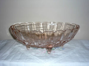 Oval Pink Glass Bowl with small Legs . Exc Condition Cambridge Kitchener Area image 3