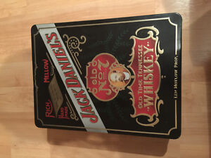 JACK DANIELS WHISKEY VINTAGE TIN**EMPTY** with 2 glasses