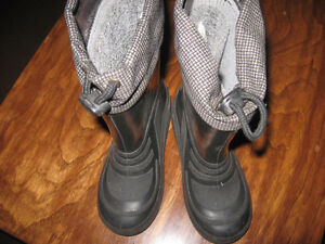 Size 12 Weather Spirits rainboots