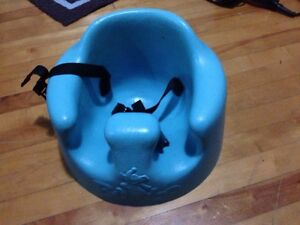 Like new teal bumbo chair with straps $$20