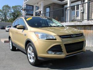 2014 Ford Escape SE / 1.6L I4 / Auto / 4x4 **Great Cond't**