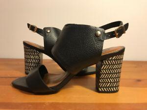 Sandales noires à talons hauts en cuir par ATELIERS 9.5US