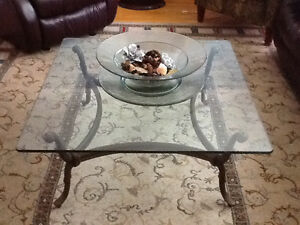Bombay Glass Top Wrought Iron Coffee Table West Island Greater Montréal image 1