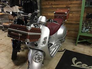 Aprilia Vespa Piaggio Scooter Helmet Box Carry Case Luggage