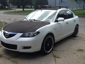 Mazda 3 2009 3500 $ nego