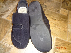 MENS ORTHOPAEDIC EASY VELCRO SLIPPERS