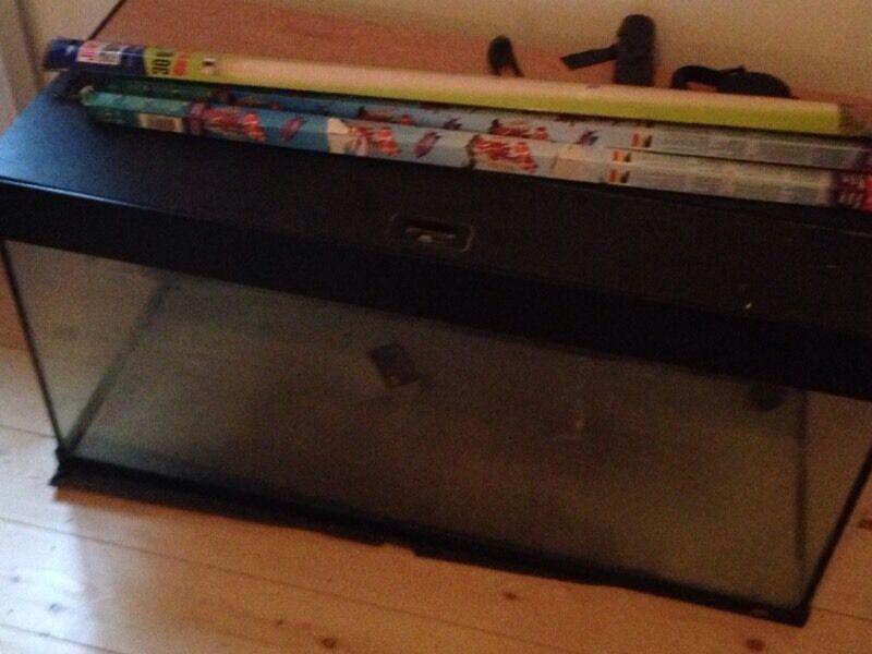 Fishtank aquarium Juwel 180 litre.