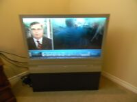 RCA   40   INCH   PROJECTED   SCREEN  TV