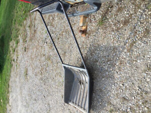 Wanted - Snow Shovel Scoop