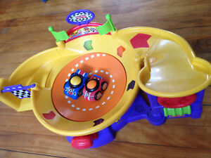 Fisher Price Lil Zoomers Spinnin Sounds Speedway
