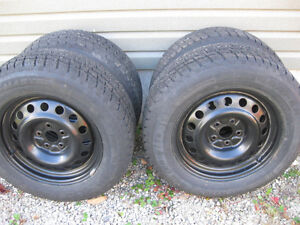 "225/65/17"" Winter tires with Rav 4 rims"