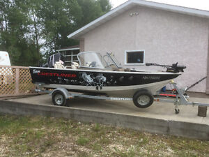 REDUCED Nicely equipped Crestliner 1650 Fishhawk with low hours