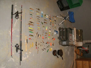 97 FISHING LURES,,,TRADE R/C BOAT