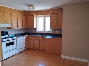 TWo BEdROOM Apartment AVAILABLE