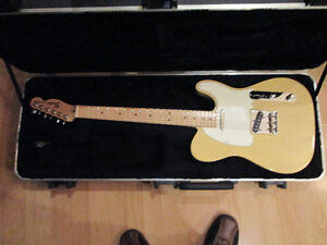 Fender Mint USA Tele special with maple neck and HSC
