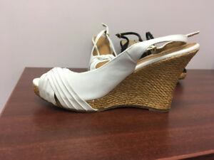 Women's size 10 wedges like new