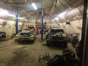 Caribou auto body shop for rent Moose Jaw Regina Area image 1