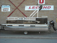 16' Avalon Pontoon & Mercury 15 4 stroke
