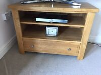 Oak TV unit (solid oak)