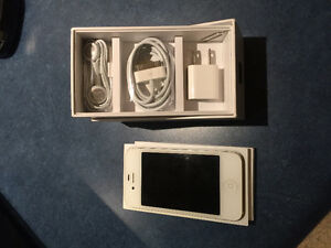 iPhone 4S White 16gb locked to Rogers