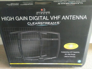Clearstream 5 High Gain HDTV Digital Antenna