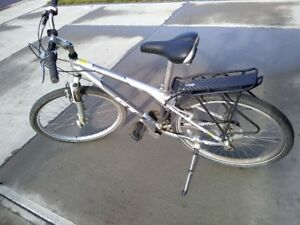 Like new, GT Timberline hybrid bike.