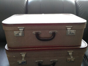 Two pieces of vintage luggage