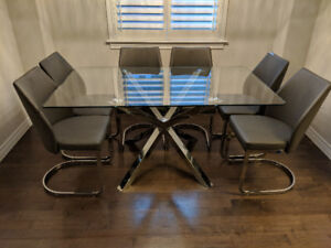 "Modern Glass Dining Set w 6 Leather Chairs (62""x36"")"