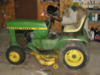 John Deere 110 Lawn Tractor