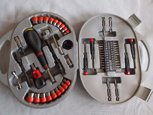 CHROME VANADIUM Bits, Ratchet and Sockets Set
