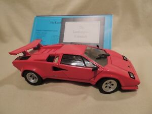 Franklin Mint Precision Lamborghini Countach 1/24 scale model.