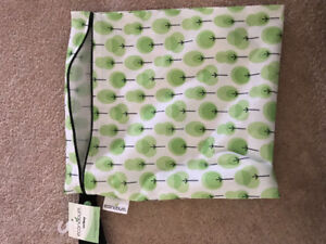 ECONOBUM waterproof travel sized bag for cloth diaper