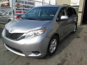 Toyota Sienna AUTO,V6 LE 8-Pass FWD,A/C,MAGS 2012