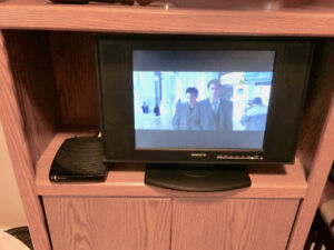 Monitor TV and Cable Box