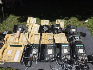 SYSTEME TELEPHONIQUE COMMERCIAL SWITCHBOARD ET 18 APPAREILS