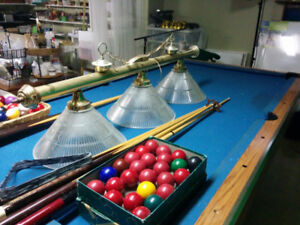 Snooker balls, Boston, Light and cues