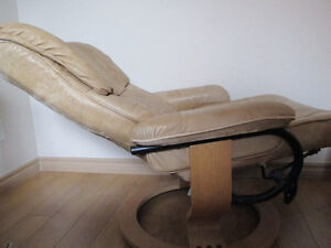 recliner chair and ottoman Windsor Region Ontario image 2