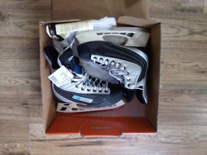 Brand New Bauer Ignite 44 Men's Size 7.5