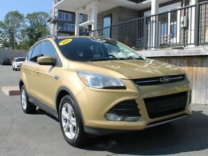 2014 Ford Escape SE / 1.6L I4 / Auto / 4x4 **Great Cond't**
