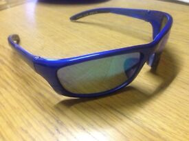 Speedo Category 3 Sports Sunglasses with Case Good Condition Can Deliver