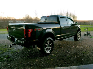 2015 Ford F150 Lariat Fx4 lifted