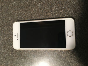 iPhone 5s, 16 GB. Gold color. Like new.