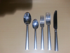 44 pc 18/10 Stainless Steel Flatware