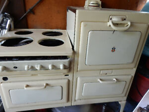 VINTAGE ANTIQUE 1936 Moffat Electric Stove