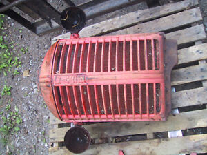 Antique CASE tractor grill and rad assy Kawartha Lakes Peterborough Area image 1