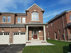 House on Rent - Mississauga Road & Financial Drive - for $2100