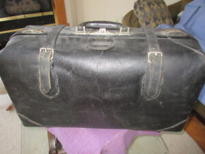 """VINTAGE T. EATON CO., """"PAKAWAY"""" Brown Leather Suitcase"""