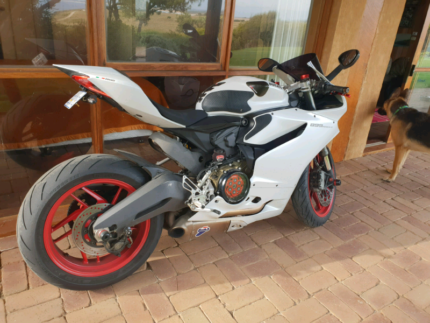 2014 Ducati 899 Panigale one of a kind Southbank Melbourne City Preview